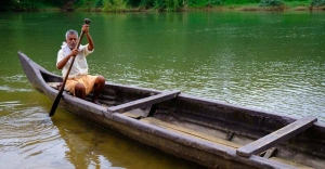 Kavalipuzha: A riverside called 'beach' with a solitary paddler