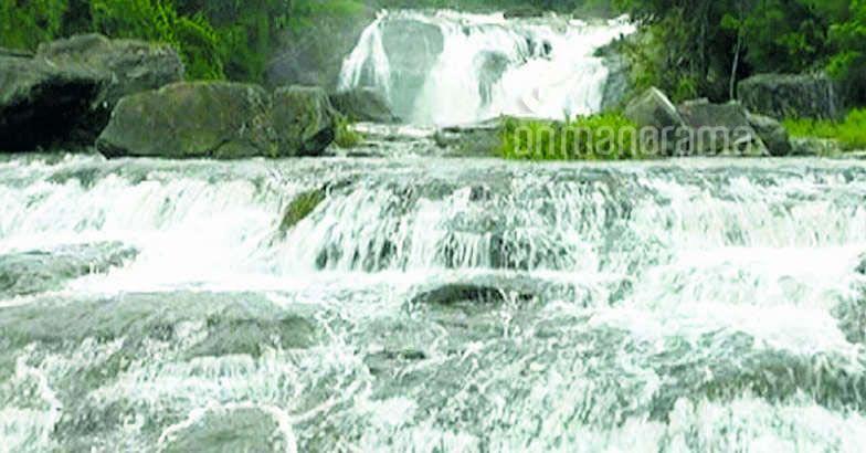 Idukki - Sreenarayanapuram waterfalls