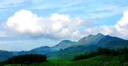 Munnar - fall in love with tea, valleys and undulating hill