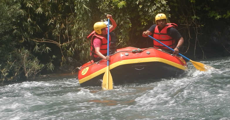 White water rafting: A pleasant adventure on river Tejaswini | Video