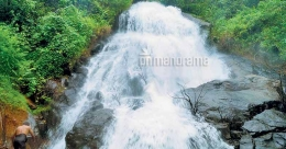 Jothlag Waterfalls beckons