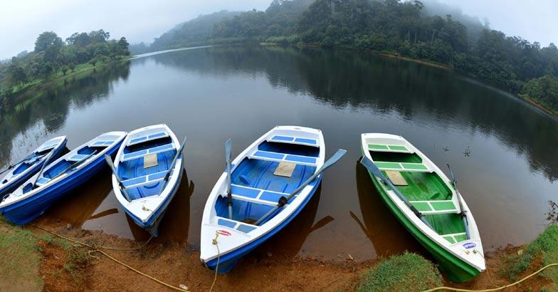 Boating in Gavi