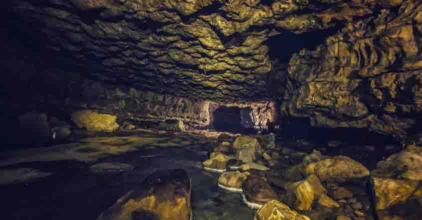 meghalaya-caves