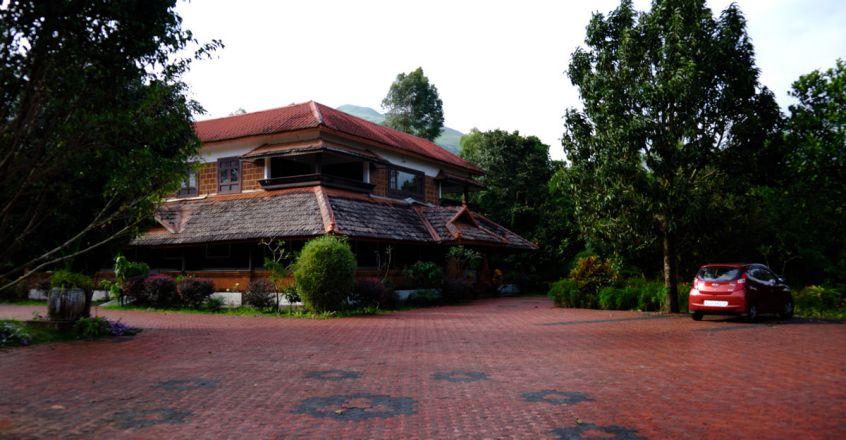 10Contour-Island-Resort