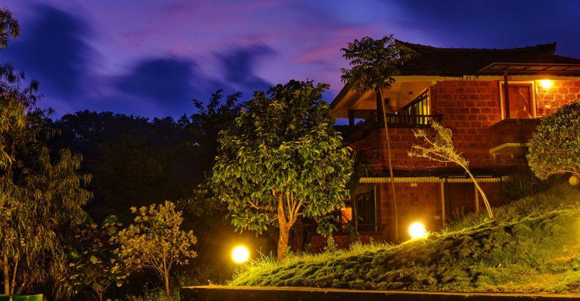 8Contour-Island-Resort