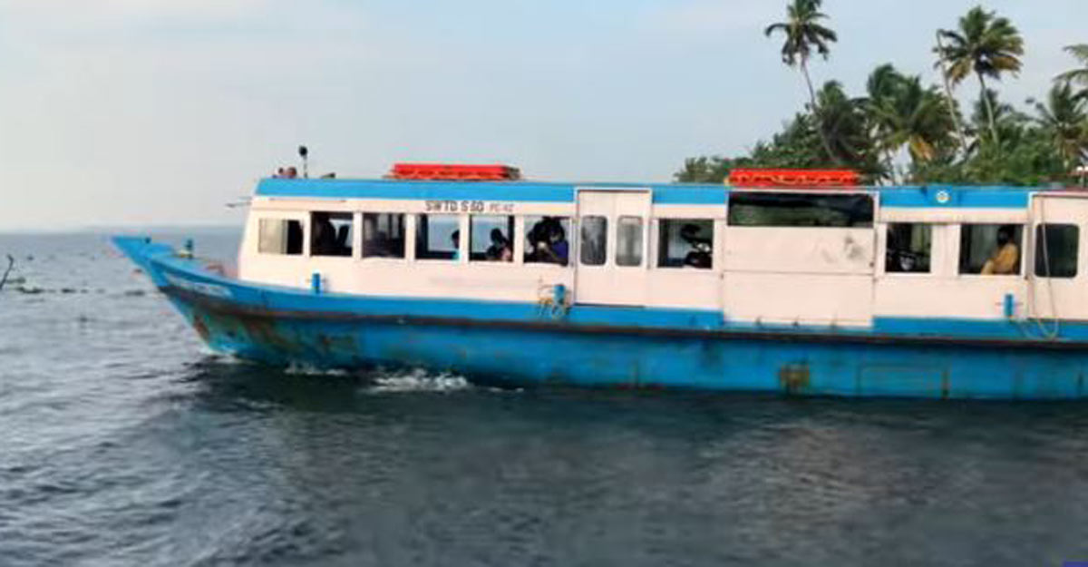 Enjoy a boat ride to Kumarakom from Muhamma for just Rs 16