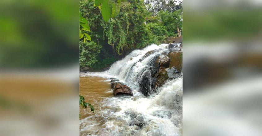 Aruvikuzhy waterfalls, the hidden beauty of Kottayam