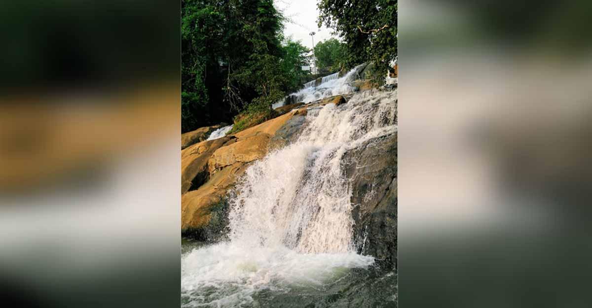 aruvikuzhy-waterfalls-1