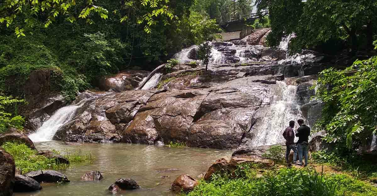 aruvikuzhy-waterfalls-2