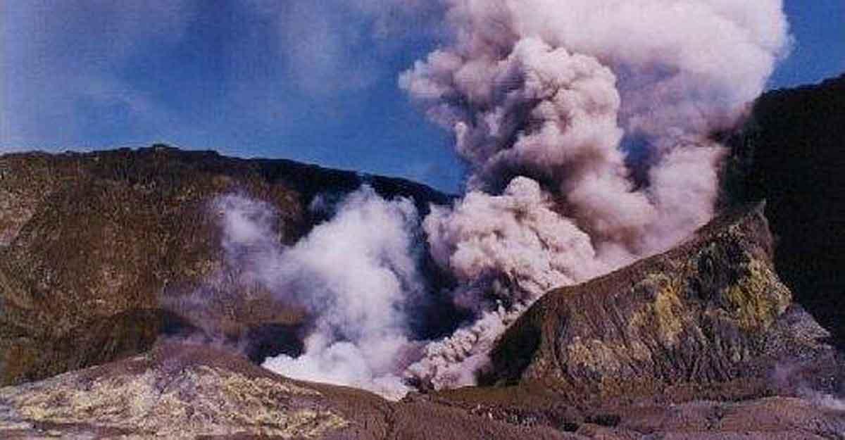 nz volcano.