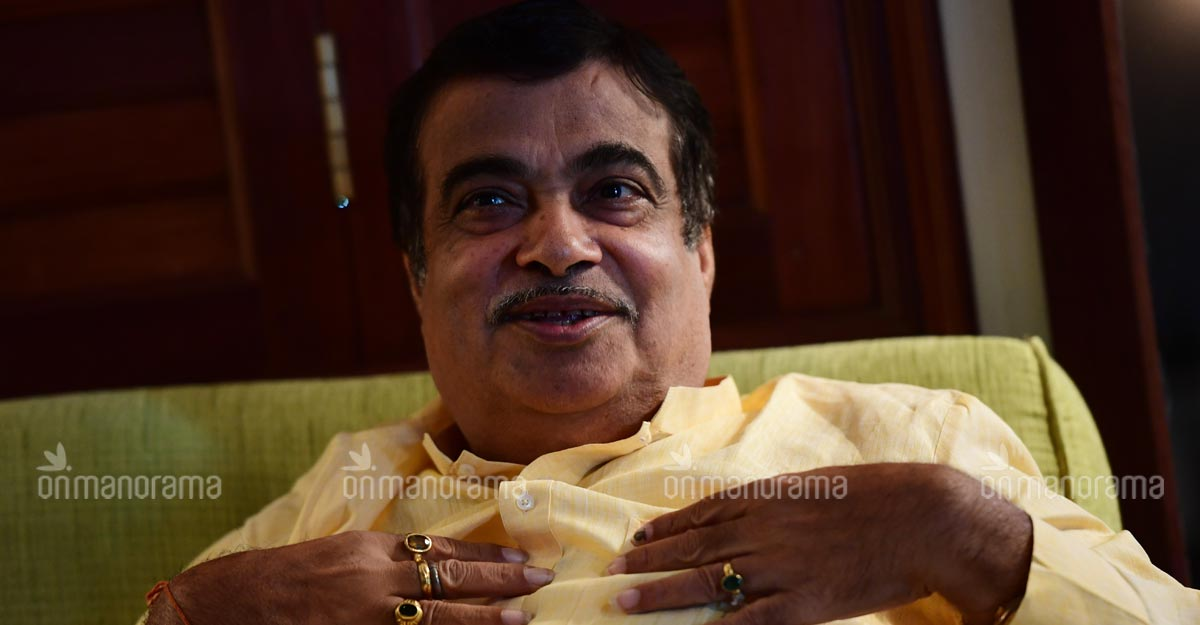 Gadkari suggests cruise ship project to develop Kerala's tourism sector