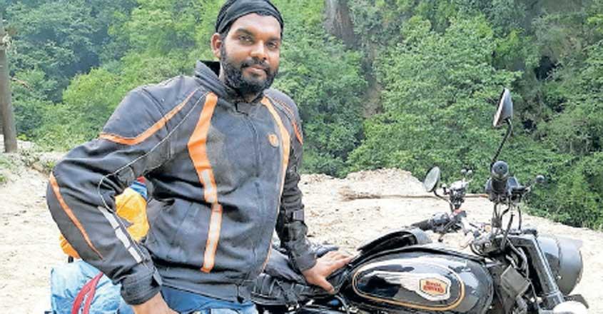 A solo bike ride from village near Vadakara to India's northern borders