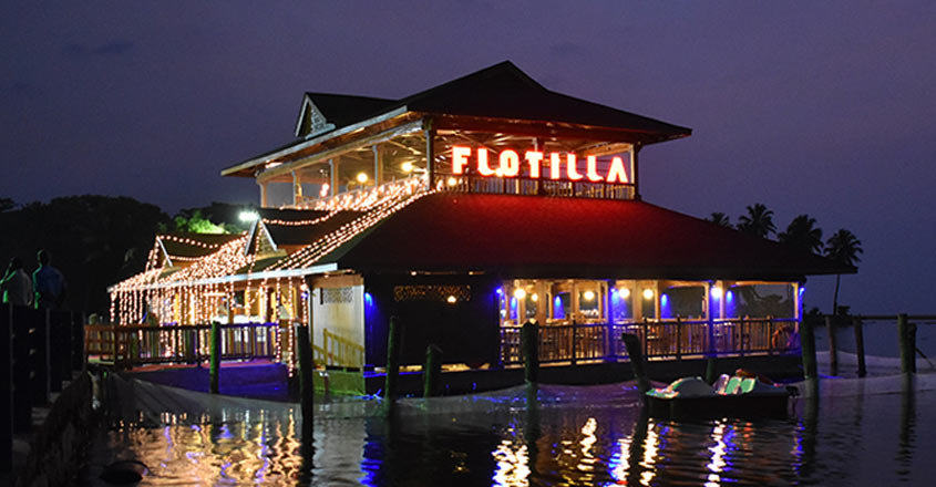 Go for a romantic dinner at KTDC's floating restaurant this V-Day