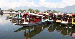 COVID-19 hits tourism at Kashmir's famed Dal Lake