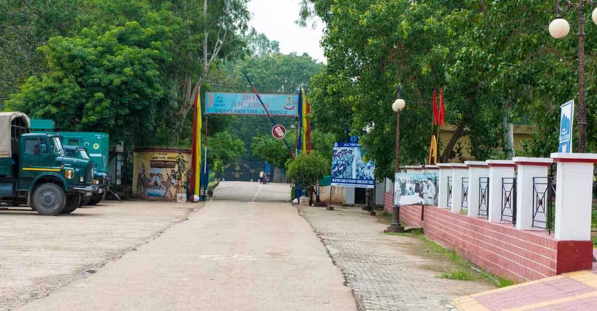 suchetgarh border