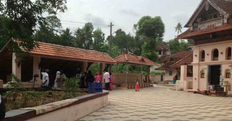When Thazhathangadi Juma Masjid opened its doors to women