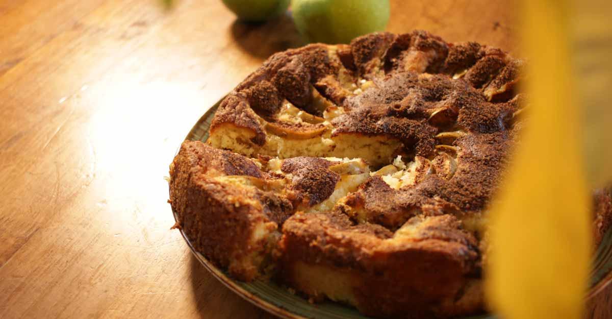 Swedish apple cake with vanilla and cinnamon