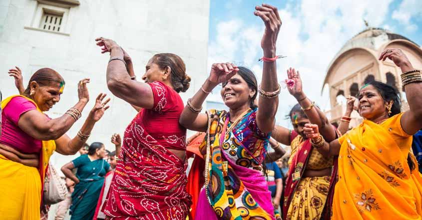 old women dancing