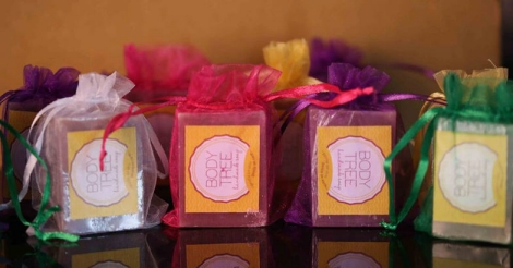 This scriptwriter is making waves in beauty industry with her organic bath bombs
