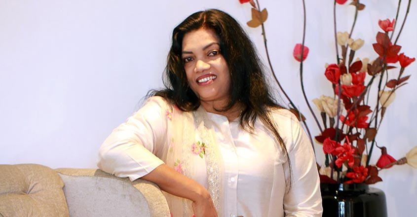 How Lizzy earns lakhs through life coaching